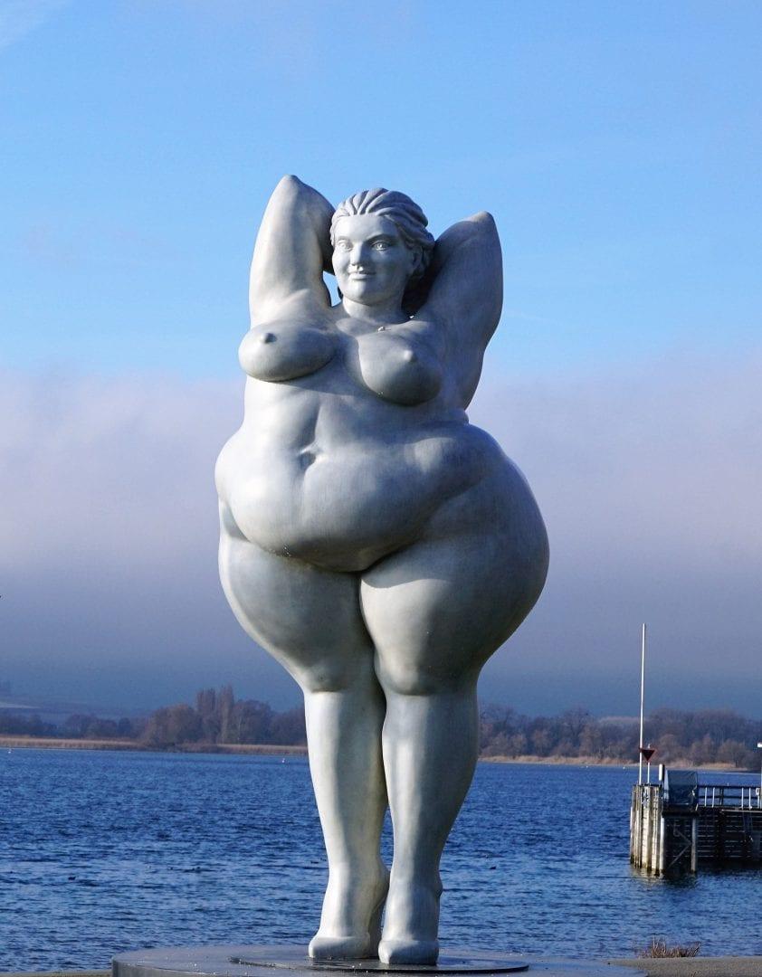 מתיחת בטן ושאיבת שומן